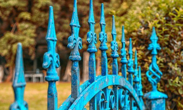 La pose d'un portail et d'une clôture