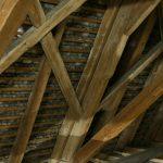 Quels facteurs prendre en compte dans le choix d'une charpente pour sa toiture?
